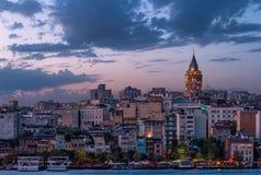 Torre de Galata en la puesta del sol Foto de archivo libre de regalías