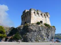 Torre de guardia abandonada Imágenes de archivo libres de regalías