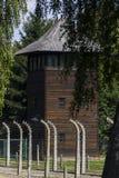 Torre de guardia en campo de la exterminación de Auschwitz I Foto de archivo libre de regalías