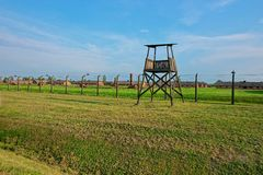 Torre de guardia en el campo de concentración de Auschwitz Birkenau Fotos de archivo