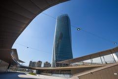 Torre de Hadid no complexo do ` da vida urbana do ` no lugar de 3 Torri Milan, em construções modernas e em condomínios, Itália imagens de stock royalty free