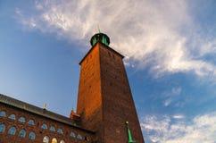 Torre de Hall Stadshuset da cidade de Éstocolmo do Conselho municipal, sueco imagens de stock