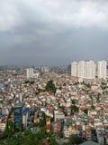 A torre de hanoi da cidade da parte superior da opinião do cenário de Vietname abriga o apartamento aglomerado dos apartamentos d imagem de stock royalty free