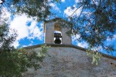 Torre de iglesia con la alarma Foto de archivo