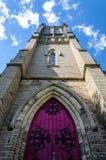 Torre de iglesia de piedra vieja Fotografía de archivo libre de regalías