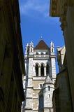 Torre de iglesia de St Peters Cathedral en Ginebra Fotografía de archivo libre de regalías