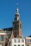Torre de iglesia en el Gouda, Holanda Foto de archivo