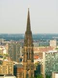 Torre de igreja do St. Nikolai, Hamburgo, Alemanha Imagens de Stock Royalty Free