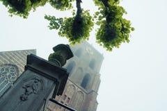 Torre de igreja gótico Imagens de Stock