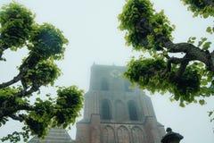 Torre de igreja gótico Fotos de Stock Royalty Free