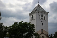 Torre de igreja na cidade de Jelgava, Letónia Foto de Stock Royalty Free