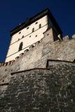 Torre de Karlstejn de la parte inferior Foto de archivo libre de regalías