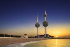Torre de Kuwait en resorte fotos de archivo libres de regalías