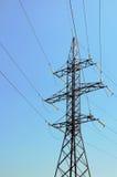 Torre de líneas eléctricas Imágenes de archivo libres de regalías