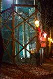 Torre de la ardilla en la noche imagen de archivo libre de regalías