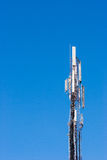 Torre de la célula contra un cielo azul Imagen de archivo