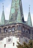 Torre de la ciudad Presov, Eslovaquia de la iglesia fotografía de archivo