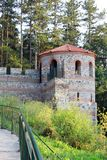Torre de la defensa de una fortaleza medieval Imagen de archivo libre de regalías