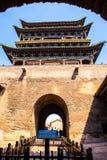 Torre de la escena-puerta de Pingyao imagenes de archivo