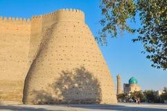 Torre de la esquina de la fortaleza en Bukhara fotografía de archivo