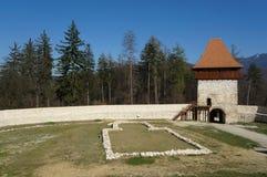 Torre de la fortaleza de Rasnov imagenes de archivo