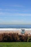 Torre de la hierba y del salvavidas de la playa Imagenes de archivo