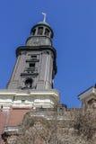 Torre de la iglesia luterana imagen de archivo libre de regalías