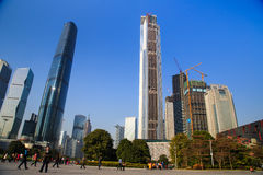 Torre de la oficina en Guangzhou, China Imagenes de archivo