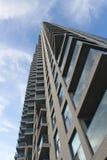 Torre de la propiedad horizontal imágenes de archivo libres de regalías