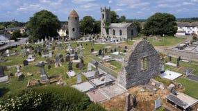 Torre de la ronda de Dromiskin condado Louth irlanda fotos de archivo