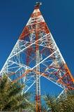 Torre de la telecomunicación. Imagenes de archivo