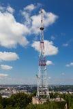 Torre de la telecomunicación Foto de archivo libre de regalías