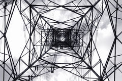 Torre de la transmisión de CA Fotos de archivo libres de regalías
