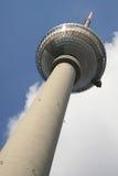 Torre de la TV Imágenes de archivo libres de regalías