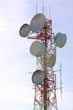 Torre de las telecomunicaciones imagenes de archivo