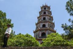 Torre de Linh Mu Pagoda - el Hué, Vietnam, Asia foto de archivo libre de regalías