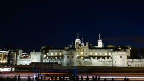 Torre de Londres en la noche Imagen de archivo libre de regalías