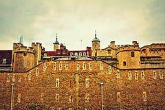 A torre de Londres mura Inglaterra Reino Unido imagem de stock royalty free