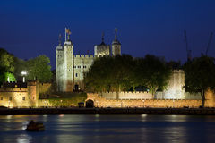 Torre de Londres na noite Foto de Stock Royalty Free