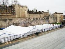 Torre de Londres - patinagem no gelo imagens de stock