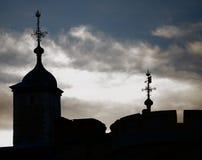 Torre de Londres silueteada Foto de archivo libre de regalías