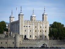 A torre de Londres, vista do rio Tamisa Imagens de Stock Royalty Free
