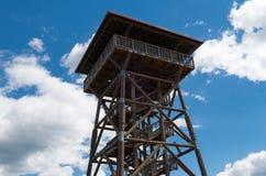 Torre de madeira em Fojutowo, Polônia Imagem de Stock
