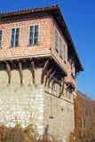 Torre de madera del monasterio ortodoxo imagen de archivo libre de regalías