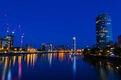 Torre de Milbank e a Tamisa em Londres, Reino Unido Foto de Stock Royalty Free