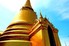 Torre de oro, Bangkok Imagen de archivo libre de regalías