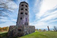 Torre de pedra no outono Imagens de Stock