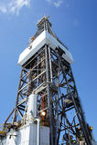 Torre de perforación de Gato costa afuera para arriba la plataforma de perforación Imagen de archivo