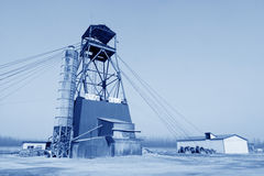 Torre de perforación de la perforación en la mina del hierro de MaCheng, condado de Luannan, Hebei favorable Fotografía de archivo libre de regalías