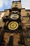 A torre de pulso de disparo astronômica de Praga Foto de Stock Royalty Free